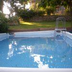 Die Wiese vom Pool aus gesehen